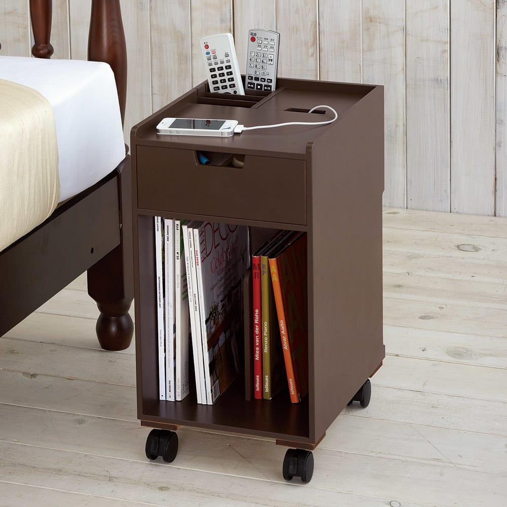 家具 収納 テーブル 机 サイドテーブル ナイトテーブル 枕元に置きたい配線すっきりモバイルナイトテーブル 546462