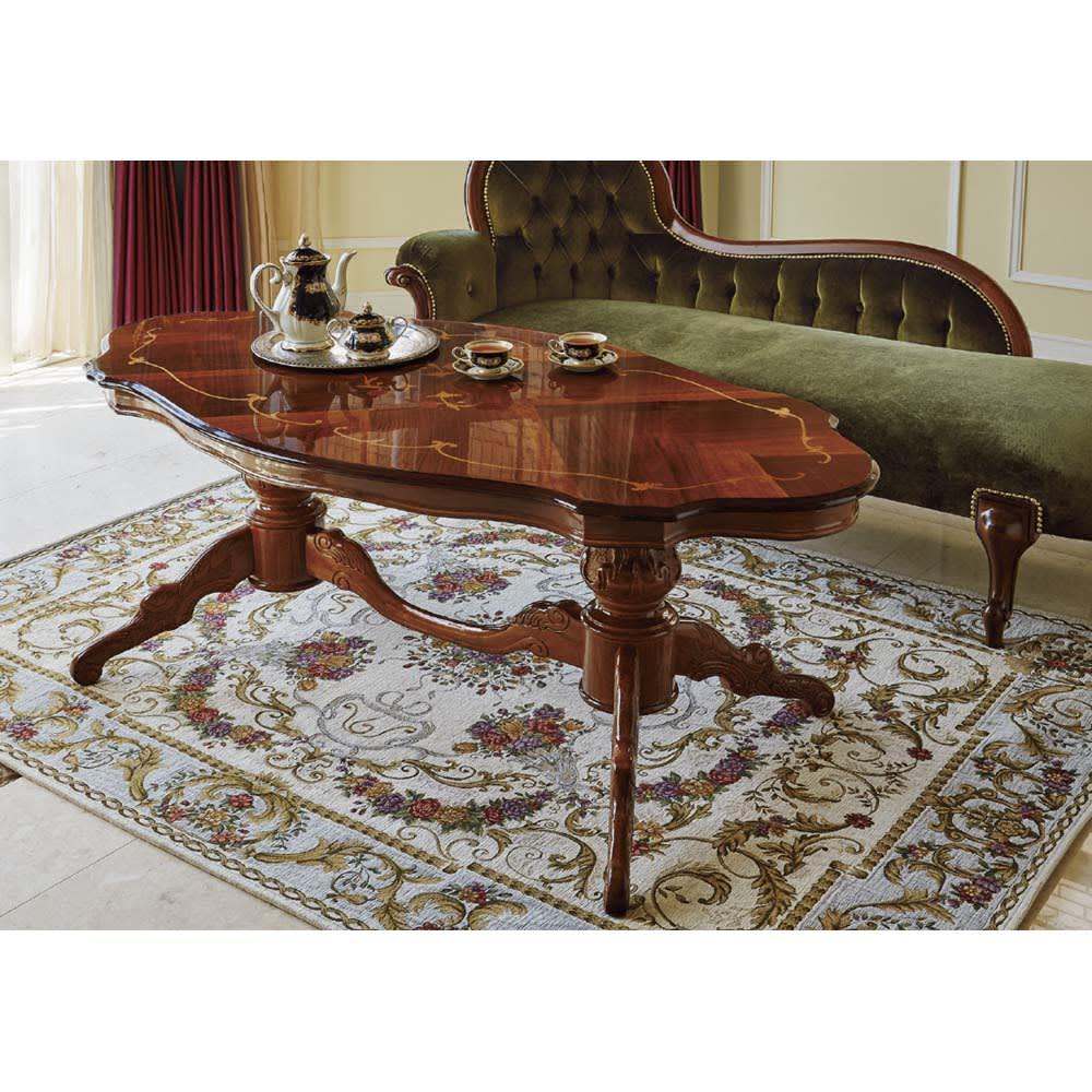 イタリアンリビングシリーズ 象がんリビングテーブル 重厚な脚部と象嵌細工の美しい天板が特徴的なイタリア家具のリビングテーブルです。