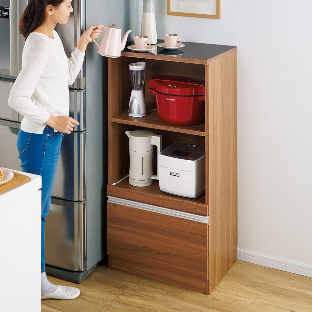 時短が叶う家電活用ハイカウンター 幅60cm (イ)ウォルナット 腰をかがめず家電がラクに使える高さ120cm。限られたスペースにも置け、高さを活かしてたくさん収納できます。