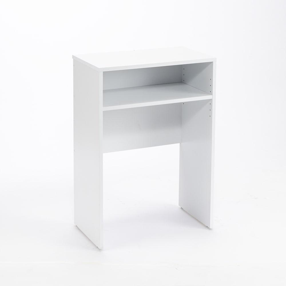 ゴミ箱上を有効活用!キッチンカウンター作業台 幅59cm・奥行34cm ゴミ箱上のデッドスペースを作業台や家電置きに有効活用。中段のオープン棚はよく使う物の収納に便利です。