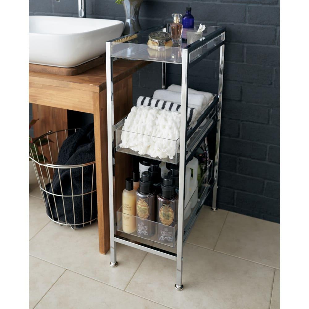 スタイリッシュサイドラック 幅27.5cm 洗面所横が充実の洗面収納に。コスメや小物の一時置きにも便利。