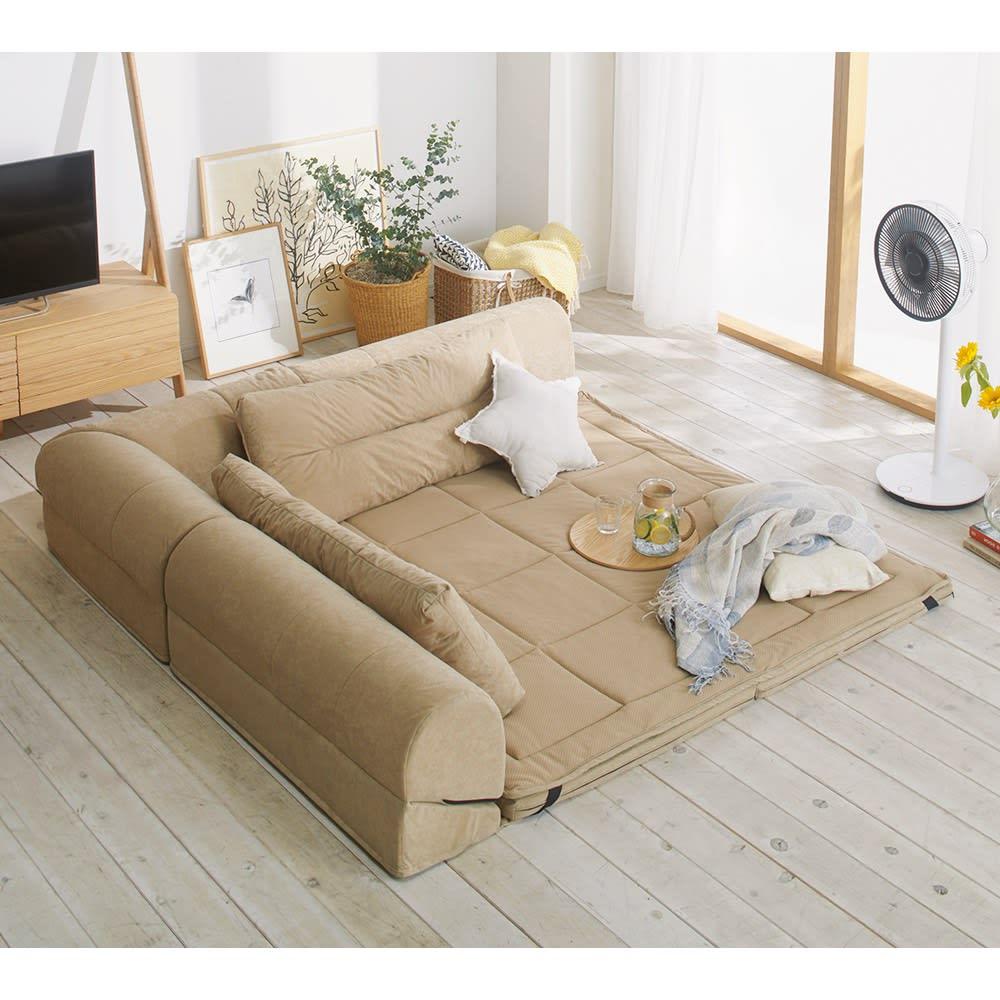包まれるしあわせのクッション付きごろ寝ソファ 小(142×142cm) (ア)ナチュラル ※写真は夏用サラサラ替えパッド(別売り)を使用しています。
