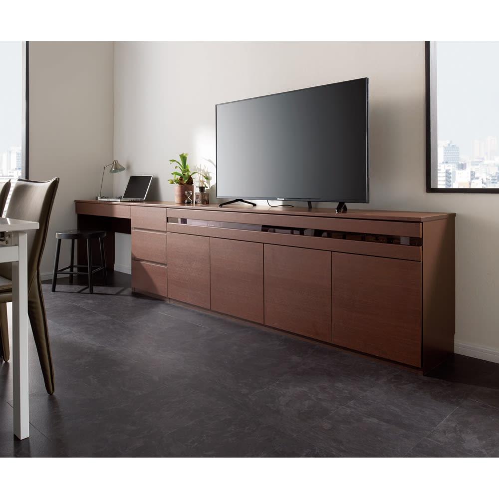 テレワークにも最適 ラインスタイルハイタイプテレビ台シリーズ デスク・幅90cm コーディネート例(ア)ダークブラウン