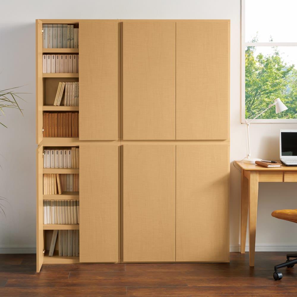 組立不要1cmピッチ頑丈棚板本棚 扉タイプ 書斎やデスクサイドでの使用もおすすめです。 コーディネート例(ア)ナチュラル ※左から幅60cmタイプ、幅80cmタイプです。