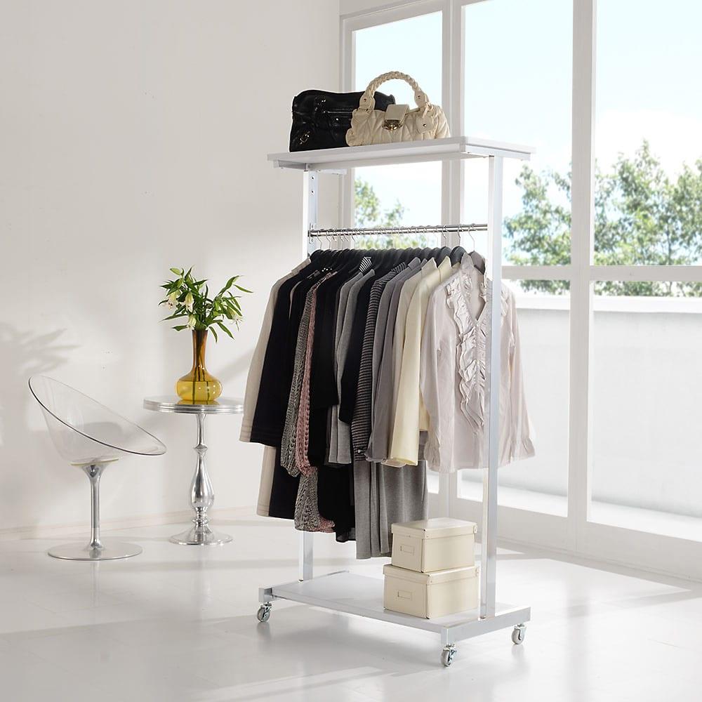 上下棚付き モダン頑丈ハンガーラック シングル・幅90cm (イ)ホワイト モダンなデザインのハンガーラック。お部屋のコートハンガーとしてもおしゃれです。