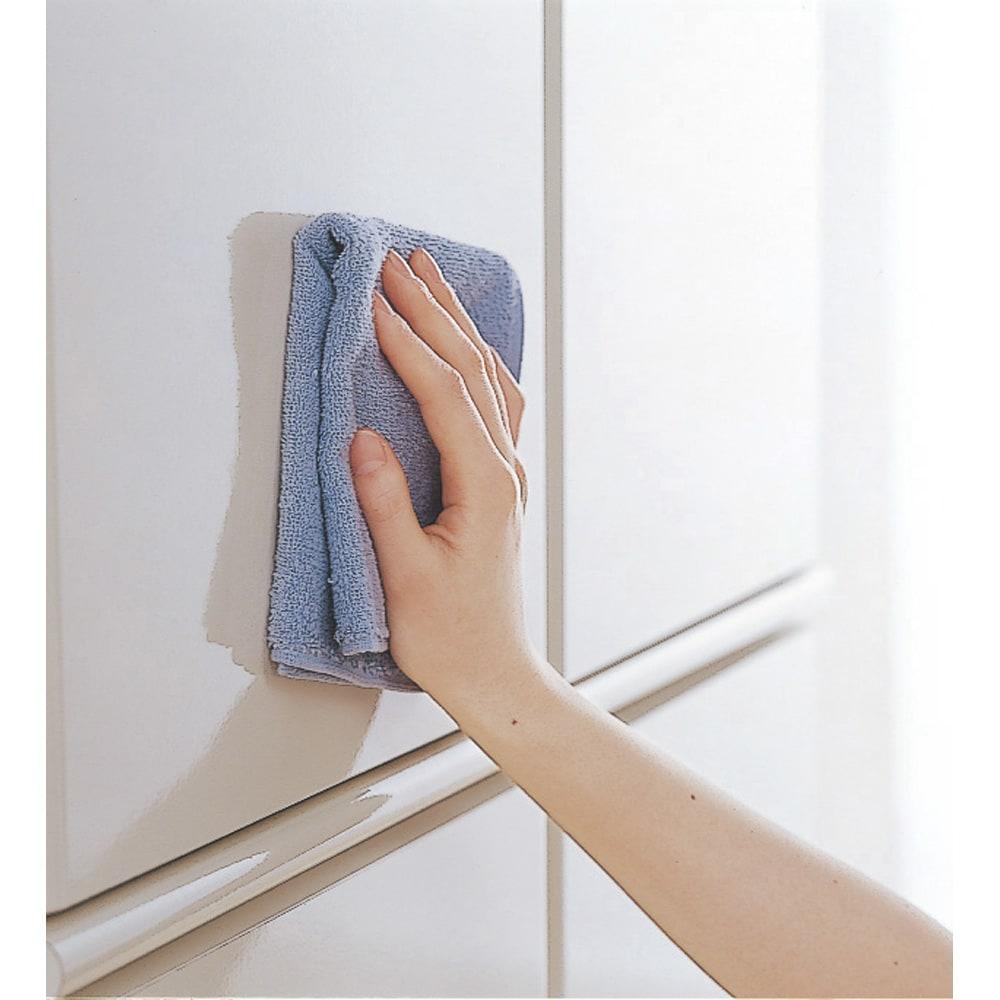 壁面間仕切りワードローブ ハンガーラック2段・幅80cm (ホワイトのみ) 光沢のある前板でお手入れもラク。