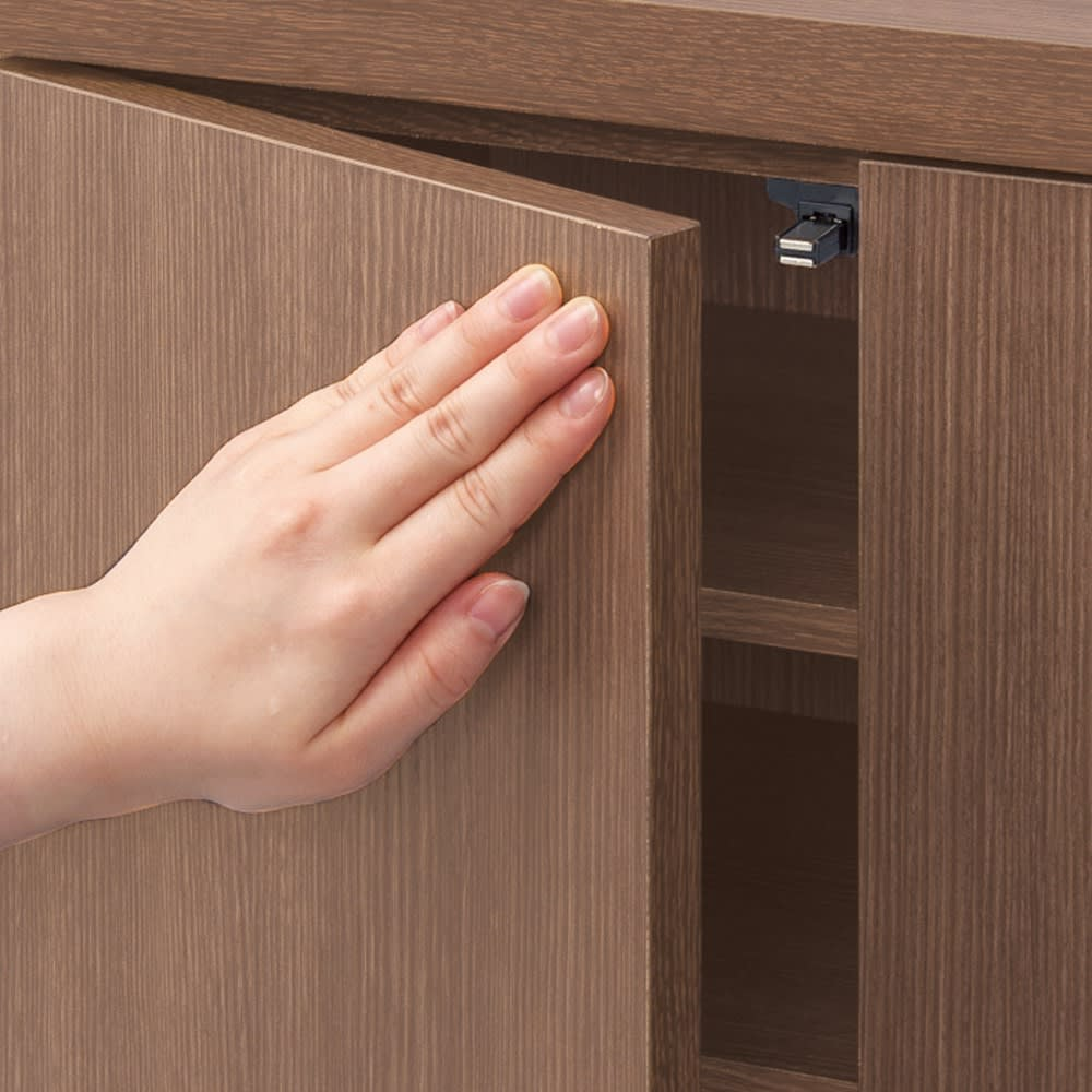 シンプルカウンター下収納庫(奥行30高さ87cm) 3枚扉タイプ 幅73cm 扉は軽く押すだけで簡単に開閉するプッシュ式。