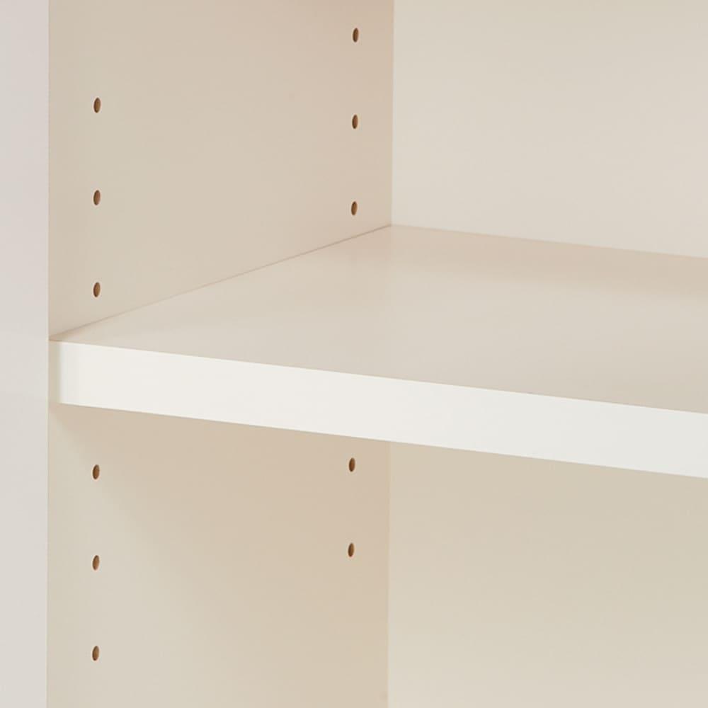 【完成品】LED付きギャラリー収納本棚 幅120奥行29.5cm 4枚扉タイプ 可動棚板は3cm間隔で高さ調節可能です。