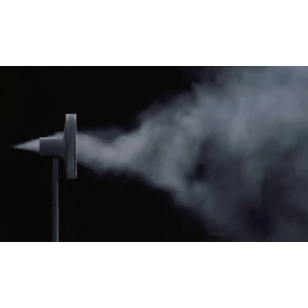 BALMUDA/バルミューダ ザ・グリーンファン 限定カラー「シャンパンゴールド」(収納袋付き) 風がとにかく気持ちいい。外側の羽根が大きな風量を、内側の羽根が小さい風量を生み、交わって拡散。ふわっと優しい風が、とにかく快適。約15m先まで風が届くので、洗濯物の室内干しも効率的に。
