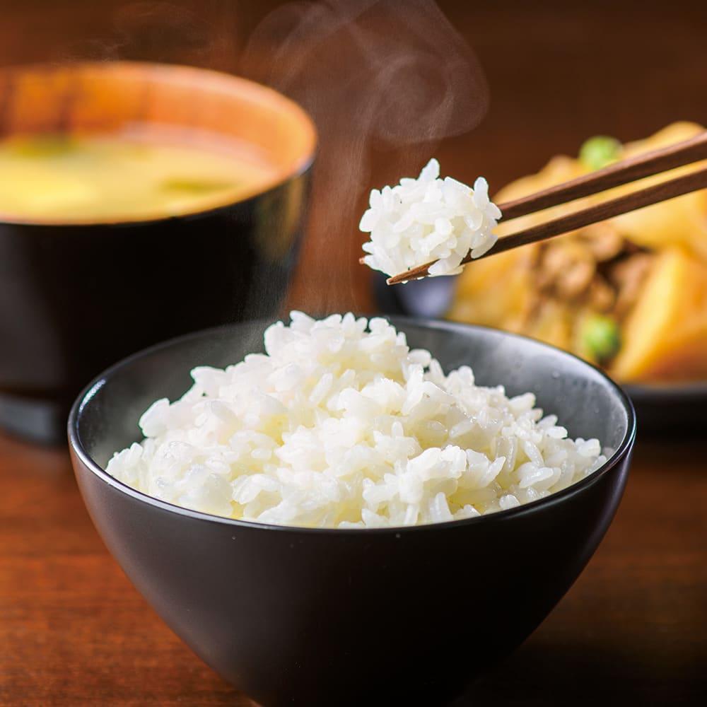 象印 STAN. /スタン IH炊飯ジャー5.5合 ご飯のパサつきをおさえ30時間まで美味しく保温。家族みんながいつでも温かいご飯を味わえます。