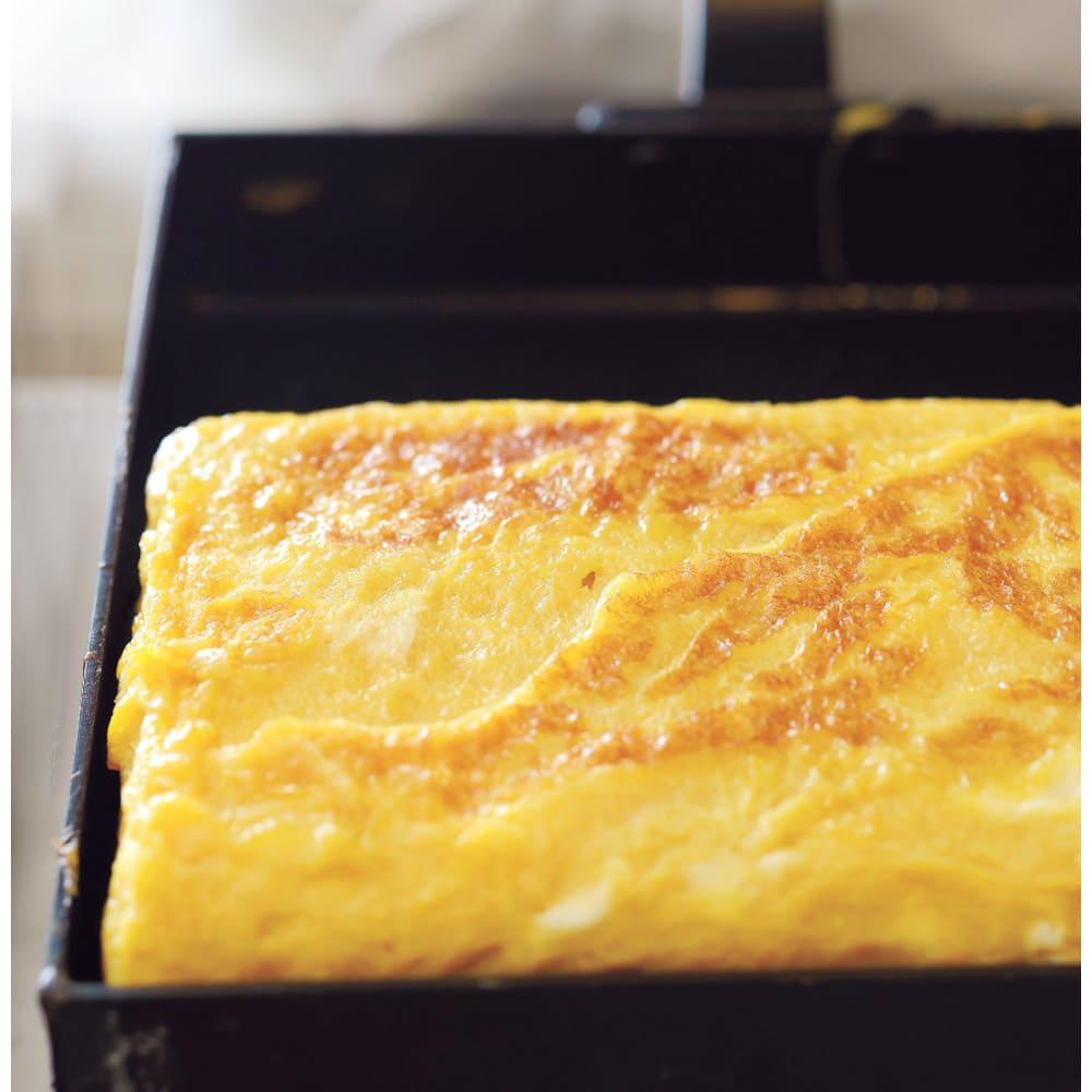 有元葉子の鉄のフライパン 卵焼き器 使っていくと油がなじみ、こびり付きやすい卵もふっくらときれいに仕上がります。