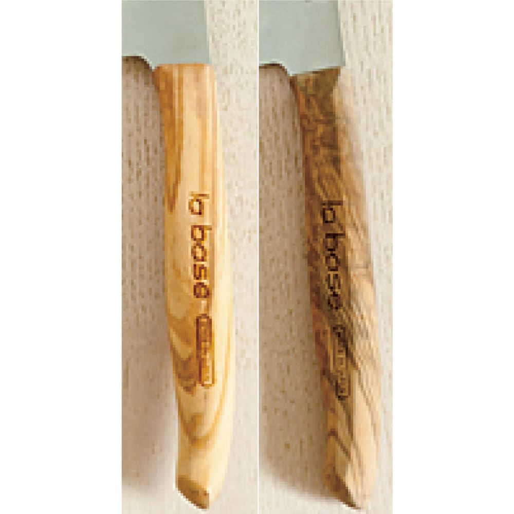 有元葉子のラバーゼ包丁 ブレックファストナイフ 左が新品 右が有元さん愛用品 使うほど色がなじんできます。
