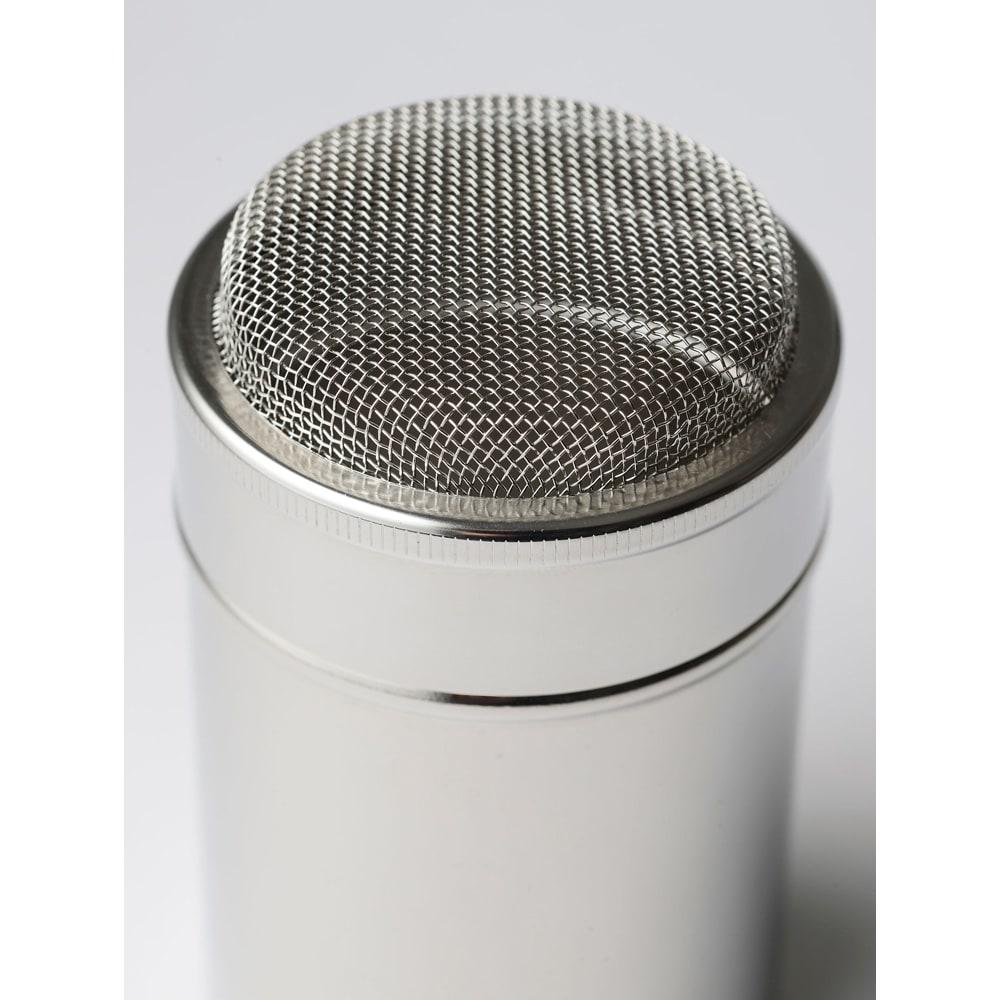 有元葉子 la base ラバーゼ  パウダー缶 上はドーム状になっています。これが均一にかかるポイントなのです。本当になんども試作を繰り返してやっと完成した形。