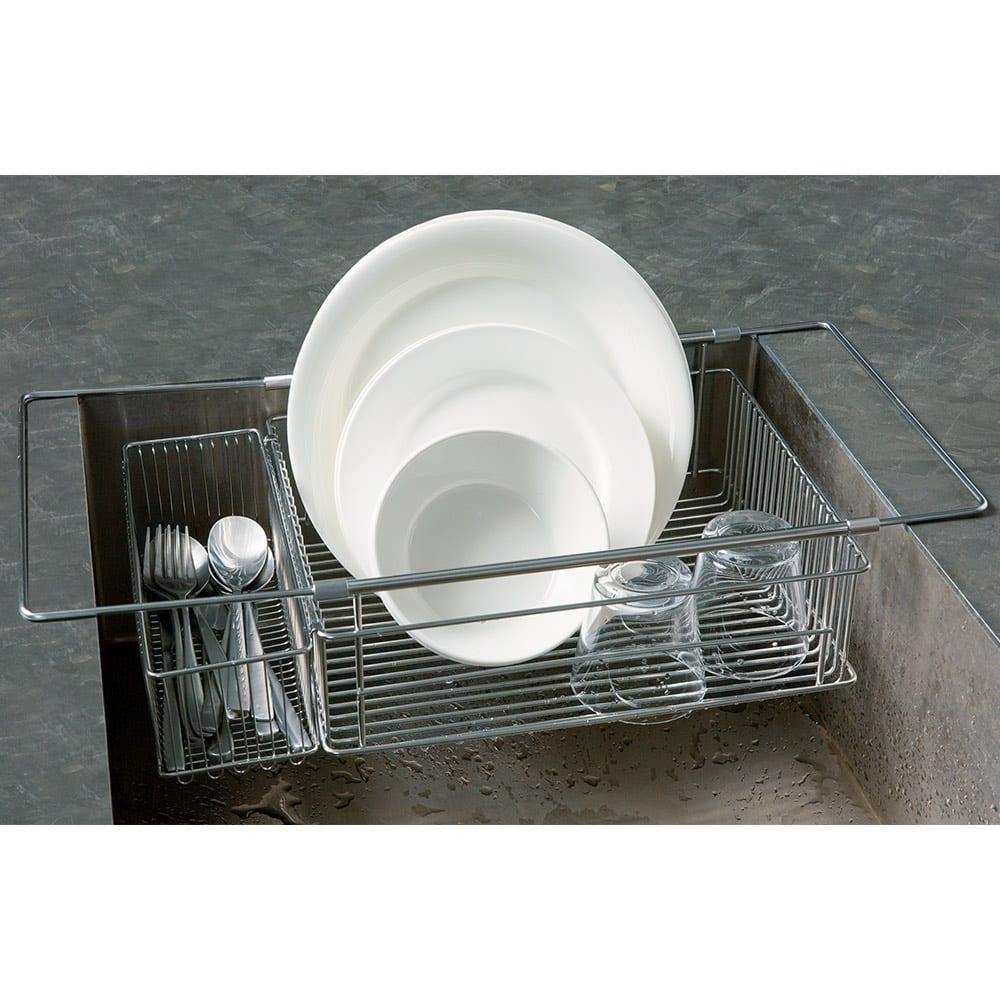 有元葉子のラバーゼ 水切り シンク内に入れて使う水切り シンクイン バスケット 幅33.5~54cm以内のシンクにきれいに収まります。