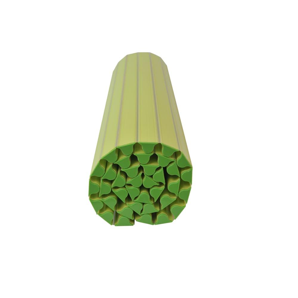 溝の奥まで洗いやすい カラーウェーブ抗菌風呂ふた (イ)グリーン まいた時に隙間がなるべくできないように工夫されているから、小さく巻け、巻き戻りしにくい。