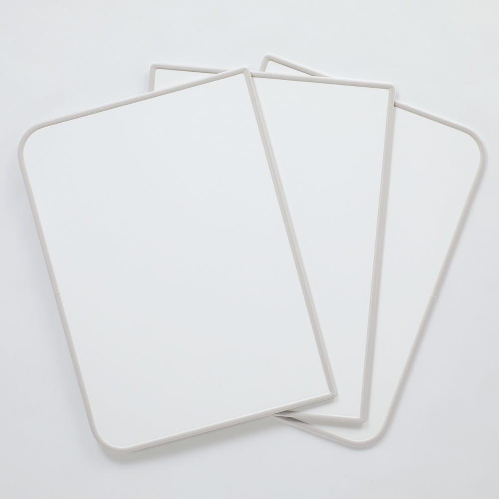 AGパネル風呂ふた ダマスク柄 裏面はシンプルな無地の白色で、リバーシブルで使用できます。