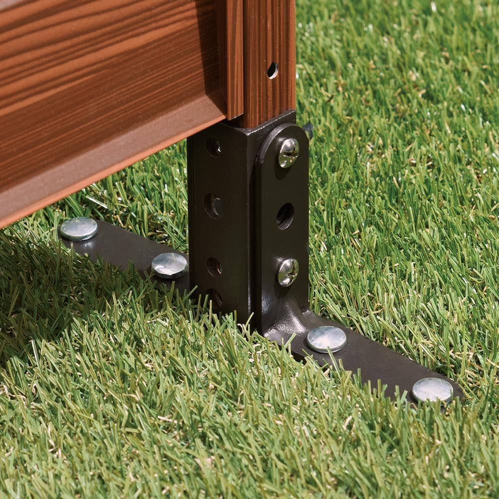 簡単リフォーム 木目調アルミボーダーフェンス ハイタイプ 幅90高さ149cm(お得な2枚組) 土や芝生など柔らかい場所には、付属のL字金具と固定用ペグで簡単に設置可能。