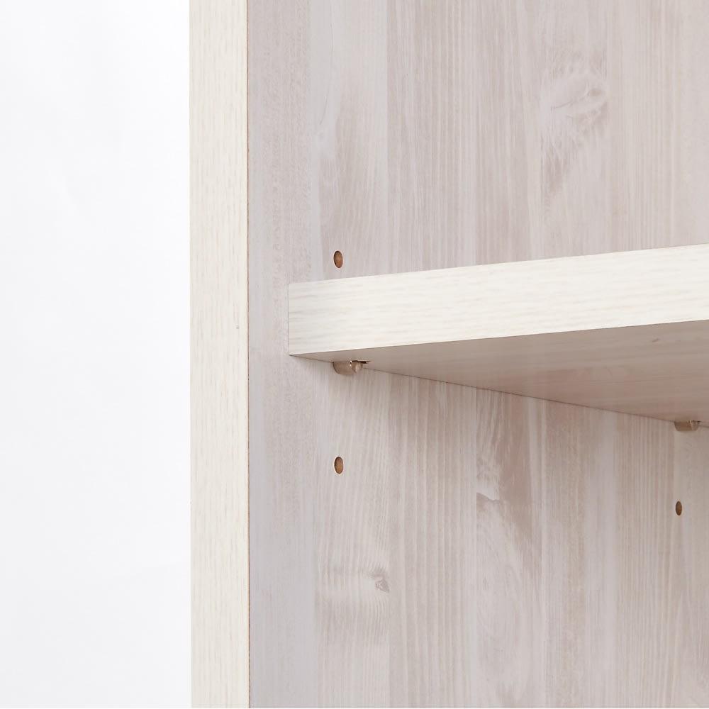 ネコ用トイレやベッドを置けるスペース付き リビング収納庫 幅75.5cm奥行45.5cm高さ180cm 可動棚は3cm刻みで3段階に高さ調節可能。