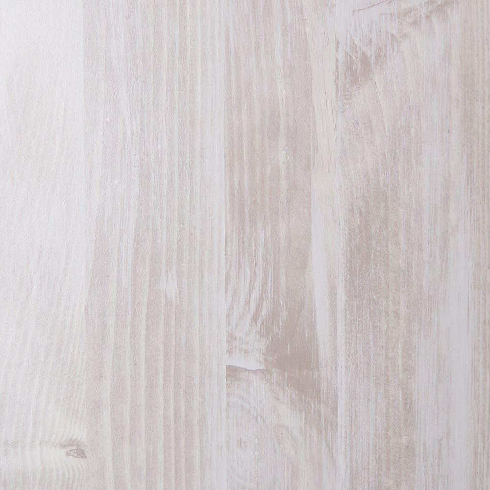 ネコ用トイレやベッドを置けるスペース付き リビング収納庫 幅75.5cm奥行45.5cm高さ180cm (ア)ホワイト(木目) 素材アップ ヴィンテージ感のあるグレーがかった白い木目調です。