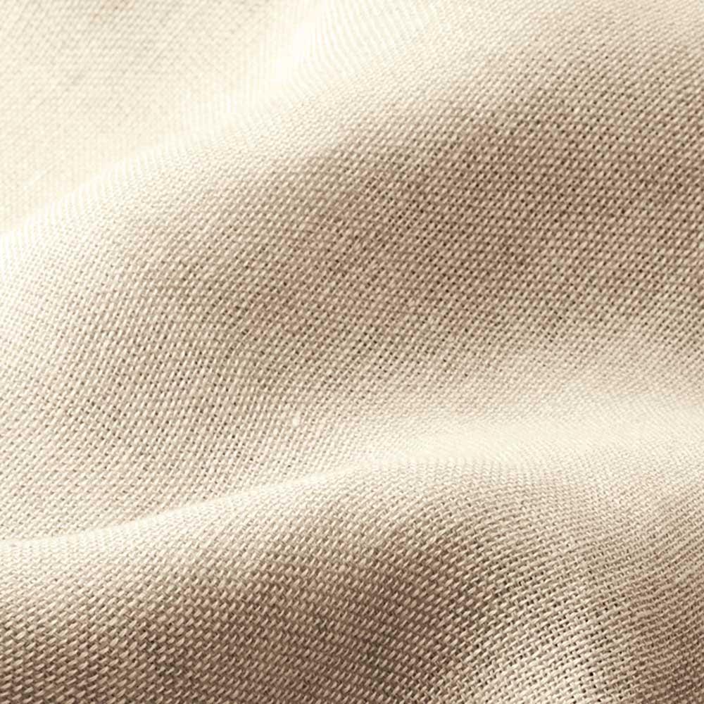 フレンチリネン100%3重ガーゼシリーズ ケット フランスの老舗「サフィラン社」のリネンを使用したフレンチリネン100%シリーズ フランス国内で収穫できる原料の中でも上質なものだけを厳選して作られるサフィラン社のリネン糸は、毛羽が少なく美しい光沢とハリが特長。 ※safilinはサフィラン社の商標です。