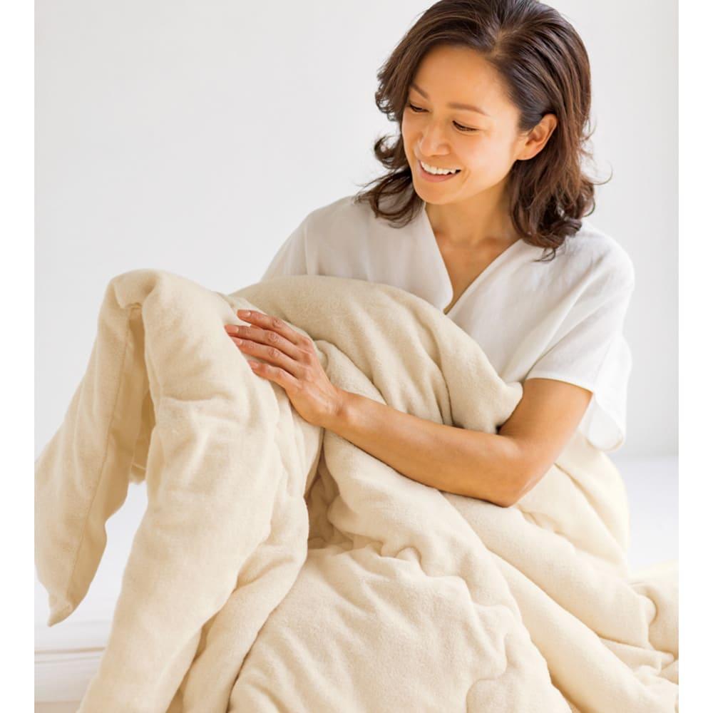 今治製タオルの寝具シリーズ 掛け布団 染色 「やわらかさが格段にアップしましたね!さっぱりふわふわの肌ざわりがとても気持ちいいです。」