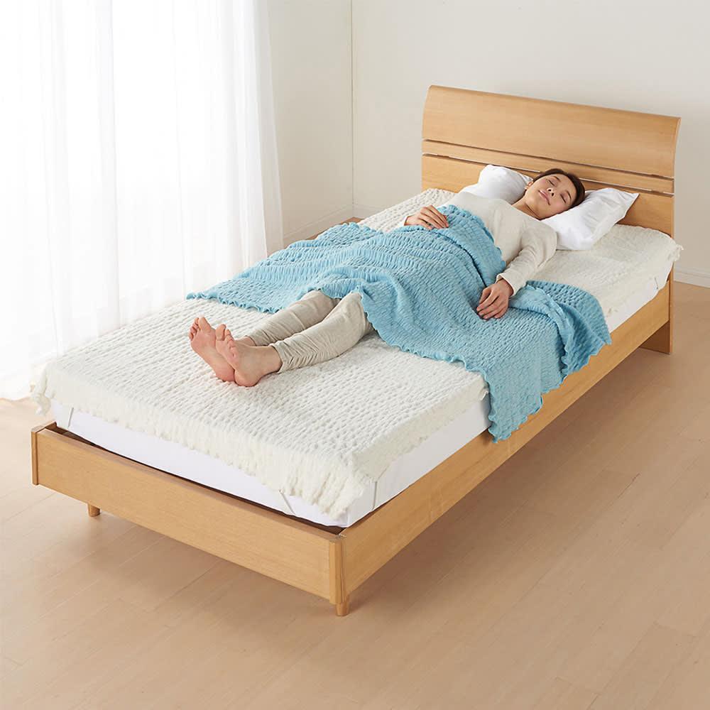 ふわふわ感が長く続く 新・くしゅくしゅ&ふわふわ タオル寝具シリーズ タオルシーツ (ア)ホワイト シリーズ使用例。お届けはタオルシーツのみとなります。