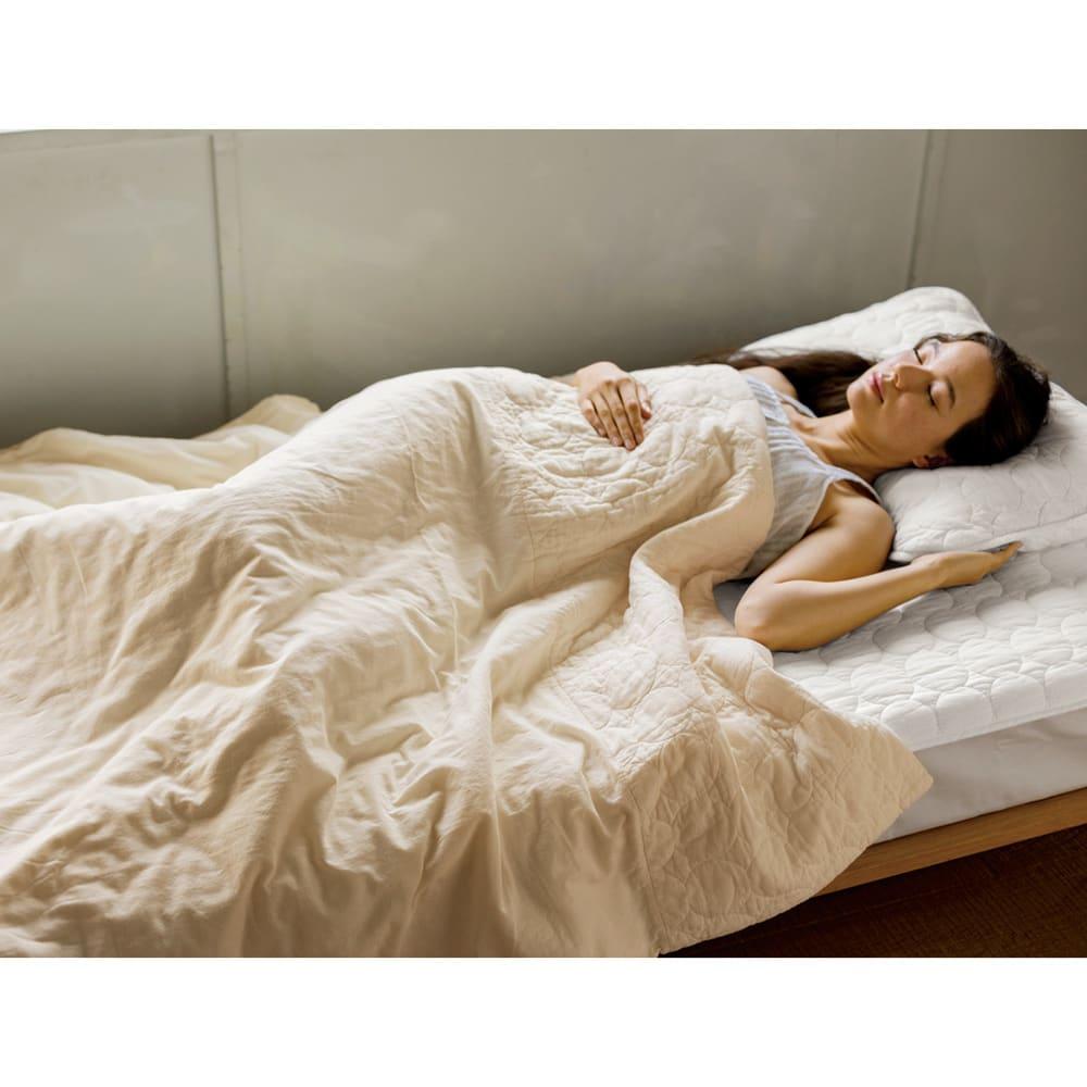 セミダブル(パシーマ(R)生地のケットにもなる掛けカバー) 中に布団を入れずに一枚で使えば、ふんわり軽く肌沿いのよいケットになります。