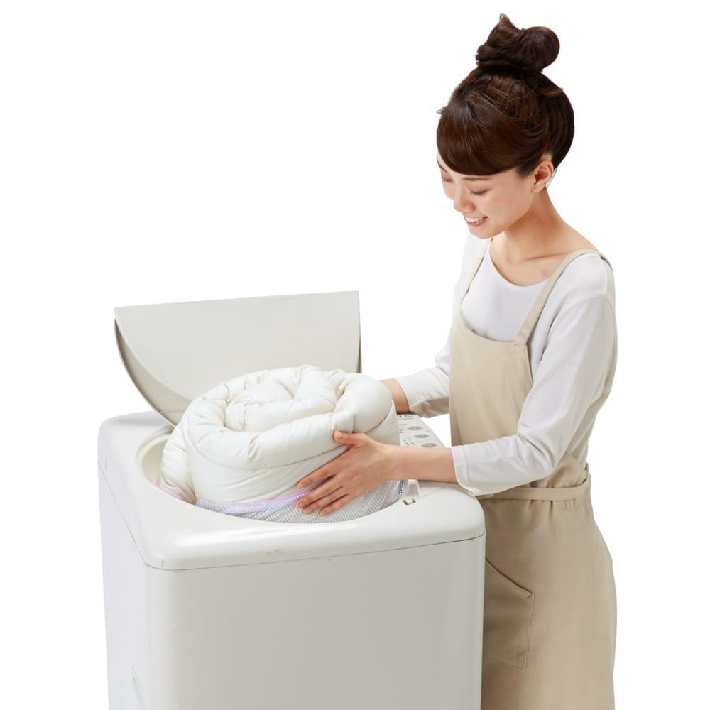 ミクロガード(R)プレミアム布団シリーズ 洗える2枚合わせ掛け布団 洗濯機でイージーケア 水通りのよいエンドレスファイバーわたで、中まですっきりと。速乾性が高いので、季節を問わず気軽に洗えます。