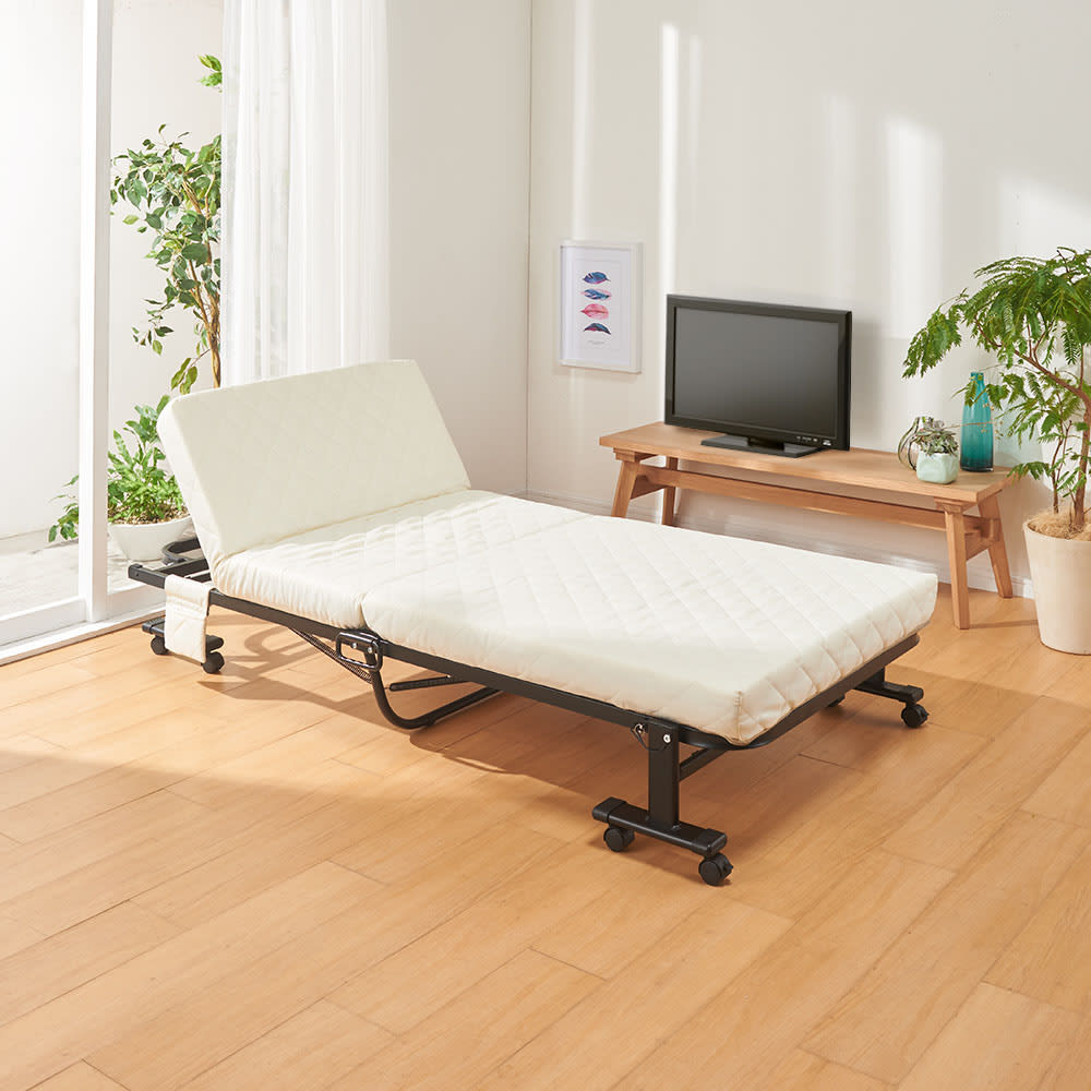 完成品折りたたみショートベッド(カバーなし/カバー付き) ※写真はカバーなしです。