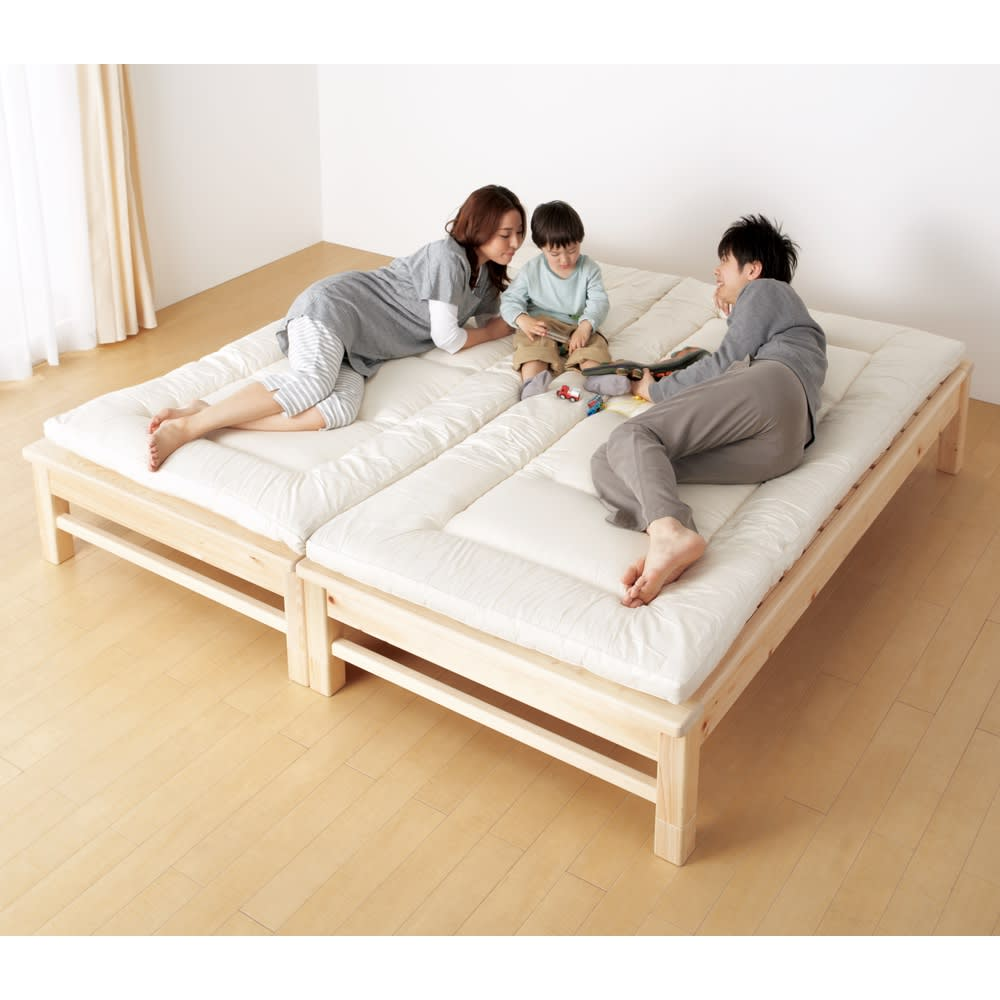 東濃檜 高さ調節すのこベッド 長さ200cm(幅80cm/幅98cm) 2台をぴったり並べられ、親子で川の字寝も。塗料を一切使用せず角に丸みを施しているのでお子さまにも安心&オススメです。 ※写真は幅98長さ200cm×2です。
