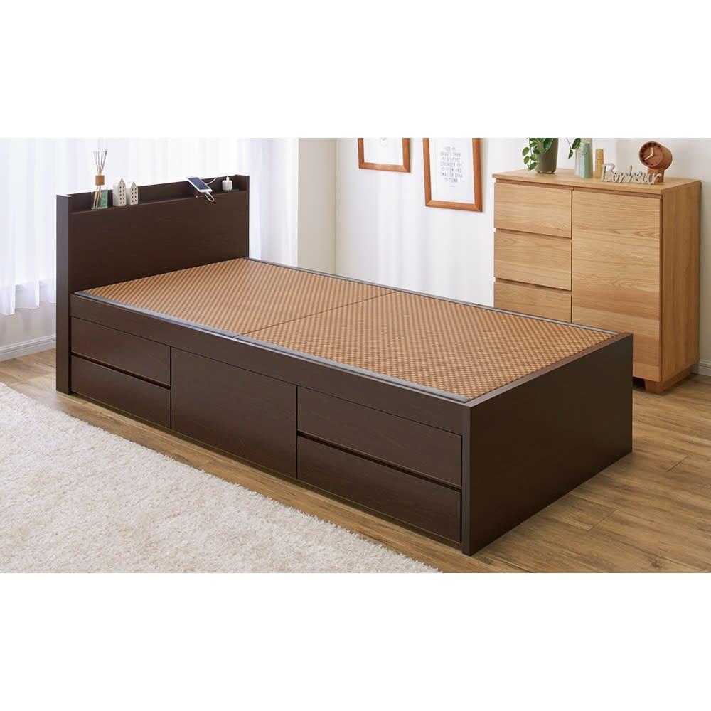 美草畳収納付きベッド 棚あり (イ)ブラウン 引き出しは左右どちらにも設置できます。 ※写真はシングルサイズです。