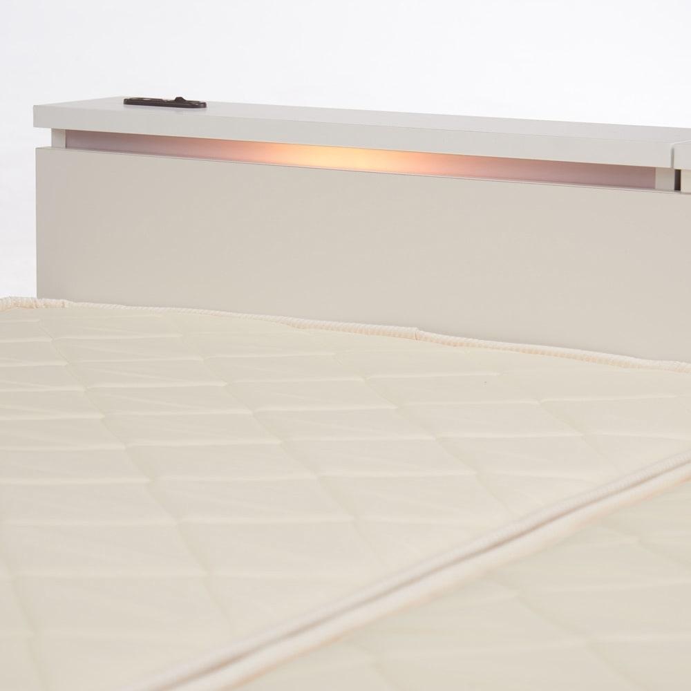 照明付きステージすのこベッド マットレス付き(国産ボンネルコイルマットレス付き) おしゃれな照明付き