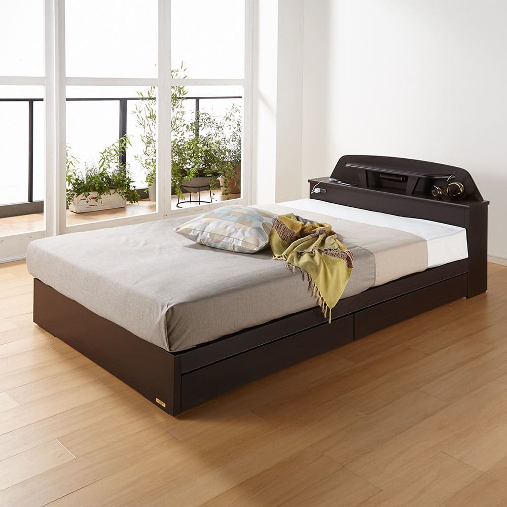 フランスベッド棚照明付きベッド マルチラススーパースプリングマットレス付き (使用イメージ)(ア)ダークブラウン ※写真はセミダブルタイプです。