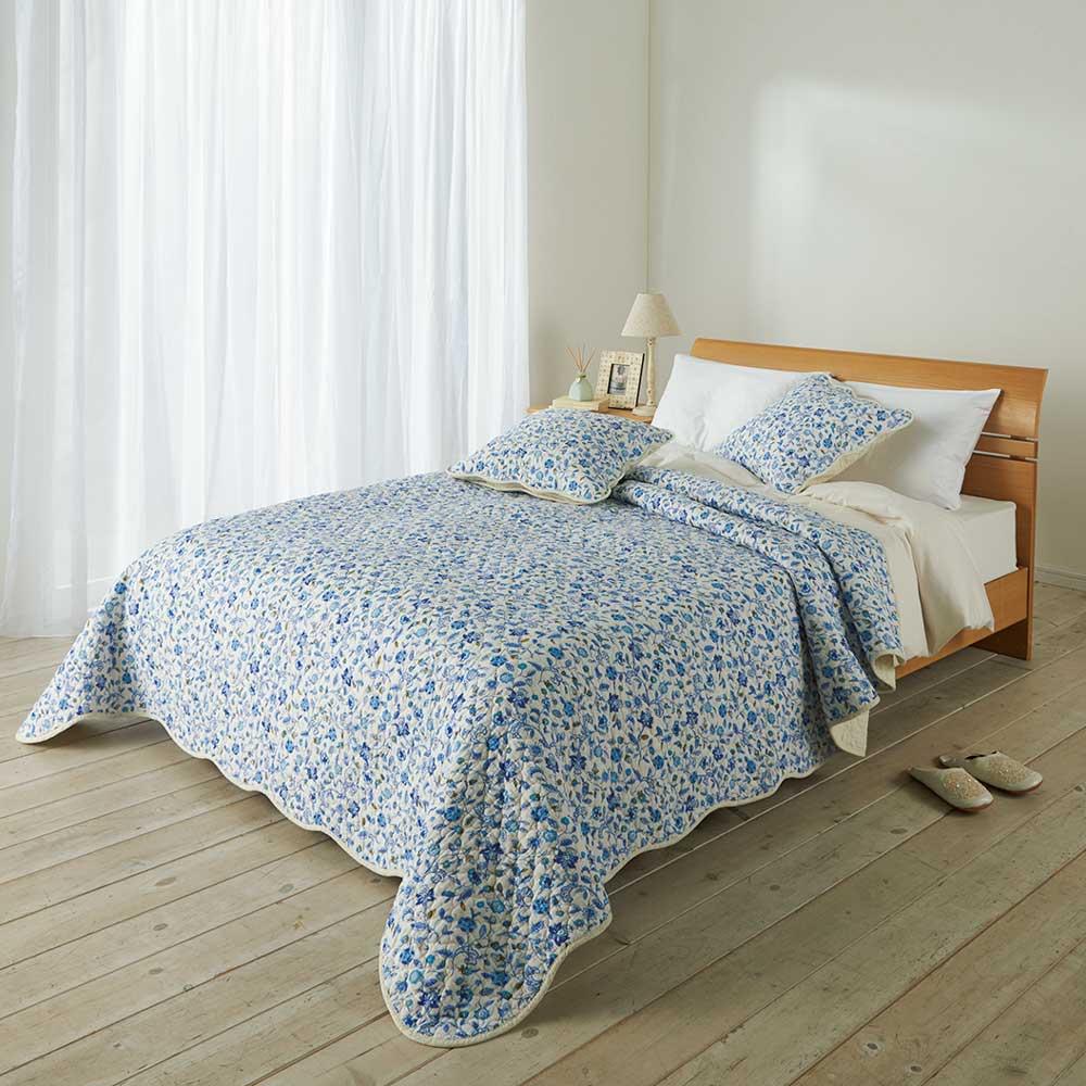 ミントン ウォッシュキルト マルチカバー(ハドンホール) (ア)ブルー系 ※写真は約200×250cmを使用。お届けはマルチカバーのみ。