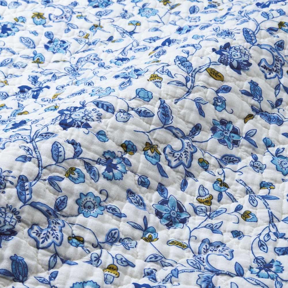 ミントン ウォッシュキルトクッションカバー2枚組(ハドンホール) ウォッシュキルト独特の細かなシボで、ふんわりサラリの肌ざわり。 (ア)ブルー系