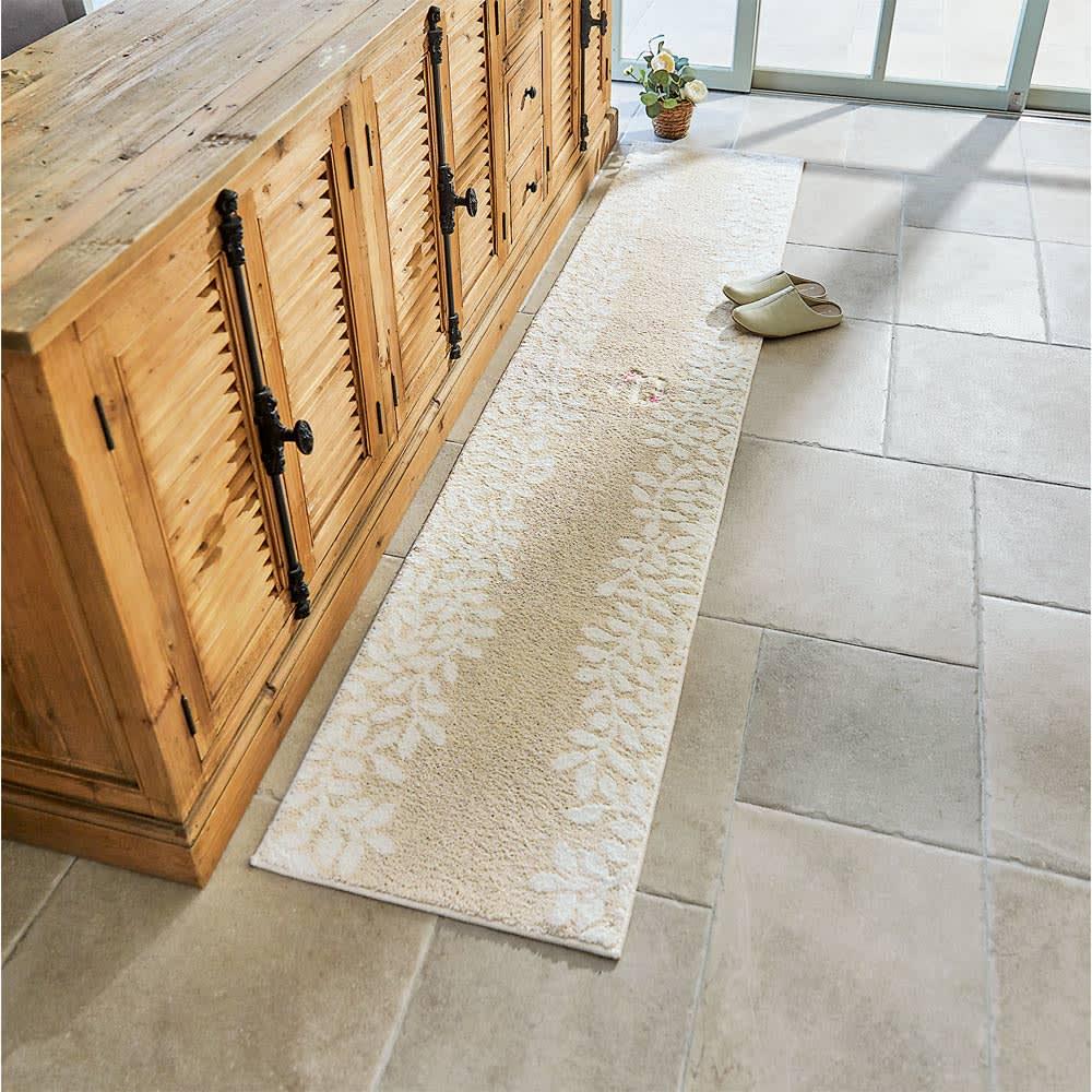 ローラアシュレイ キッチンマット 〈リトルバインズ〉 (イ)ベージュ系(写真は約50×240cm)
