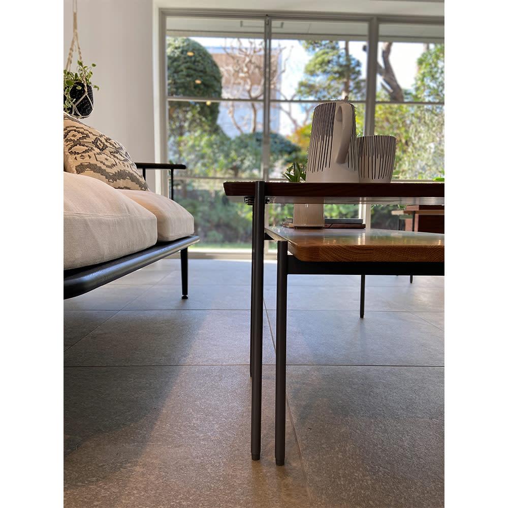 北欧調 スタイリッシュソファシリーズ リクト天然木センターテーブル オーク ※お届けはセンターテーブル(オーク)です。写真は別売りのサイドーテーブル(ウォルナット)との組合せです。
