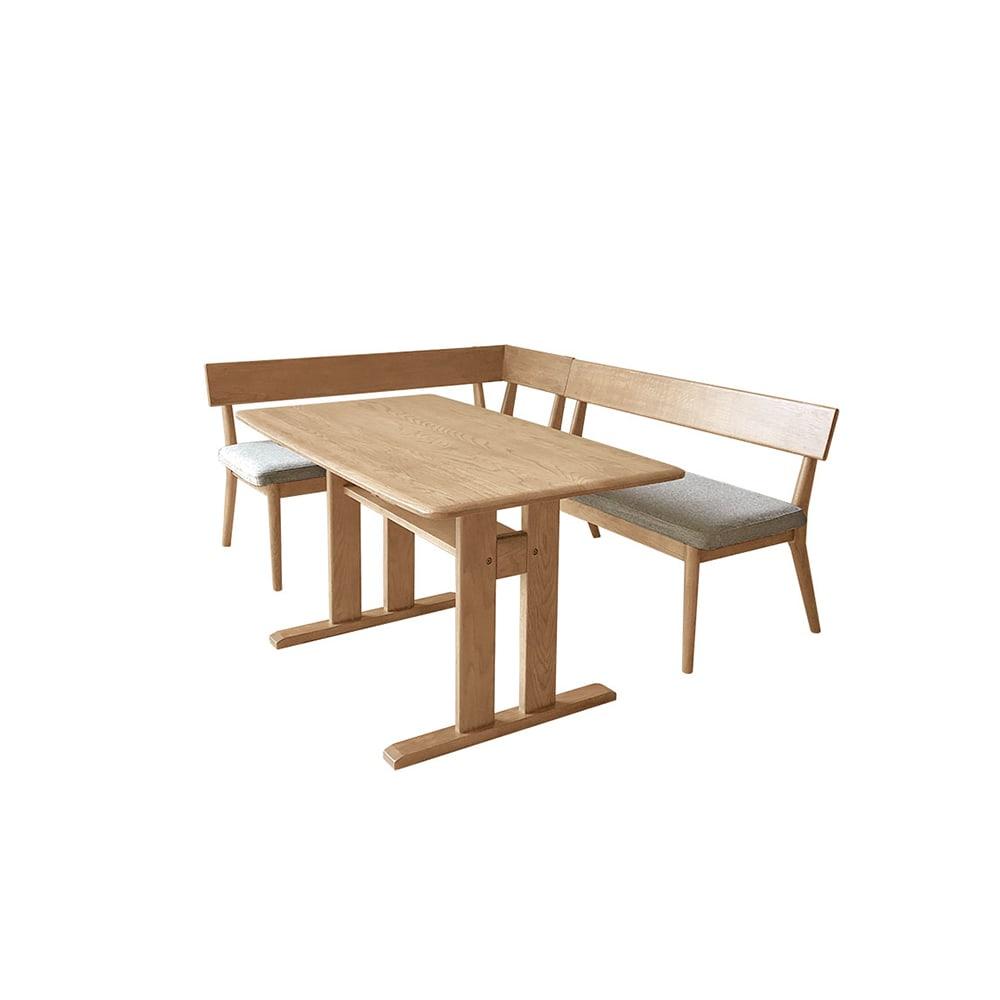 ナチュラルリビングダイニングシリーズ ダイニングテーブル コーディネート例(ア)ナチュラル ※お届けはダイニングテーブルです。写真は別売りの背付きベンチ・左カウチとの組合せです。