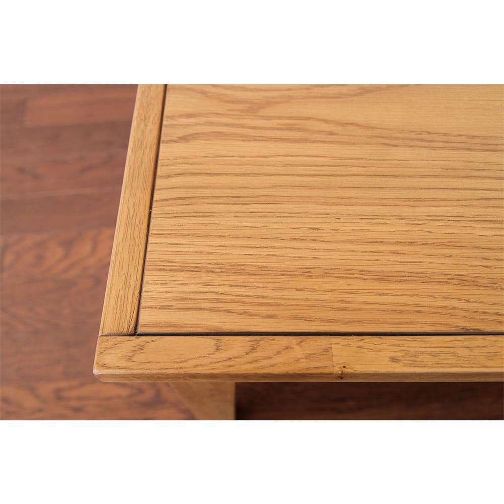 コンパクトなブルックリン風シリーズ リビングテーブル 幅90cm 天板縁はオーク無垢材の丁寧な練り付け仕上げ。溝を入れたどこかレトロなデザイン。