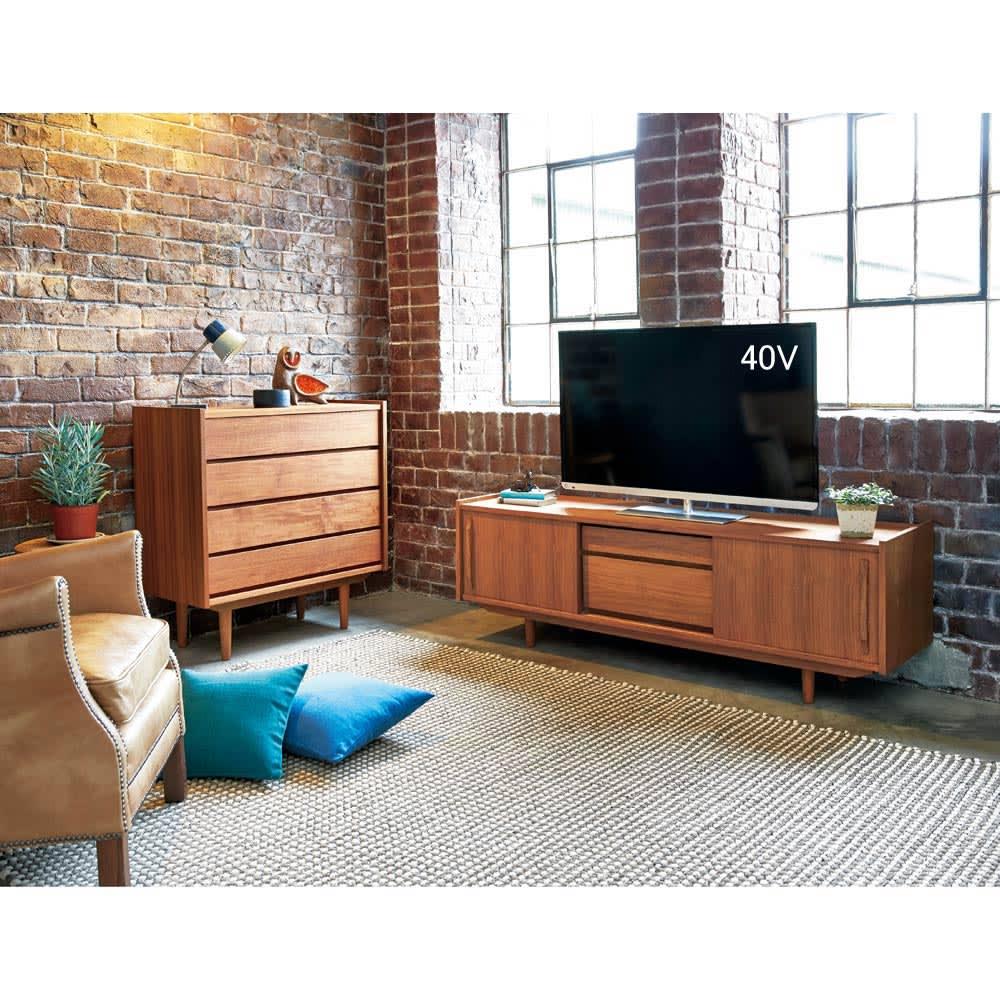 北欧ヴィンテージ風 チーク材 リビング収納 テレビ台 幅150cm 懐かしみのあるレトロなデザインが、ヴィンテージの趣を添えます。