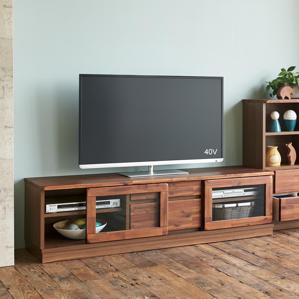 ナチュラルヴィンテージ調シリーズ テレビ台 幅146cm 商品イメージ アカシア無垢材の木目を活かしたテレビ台です。