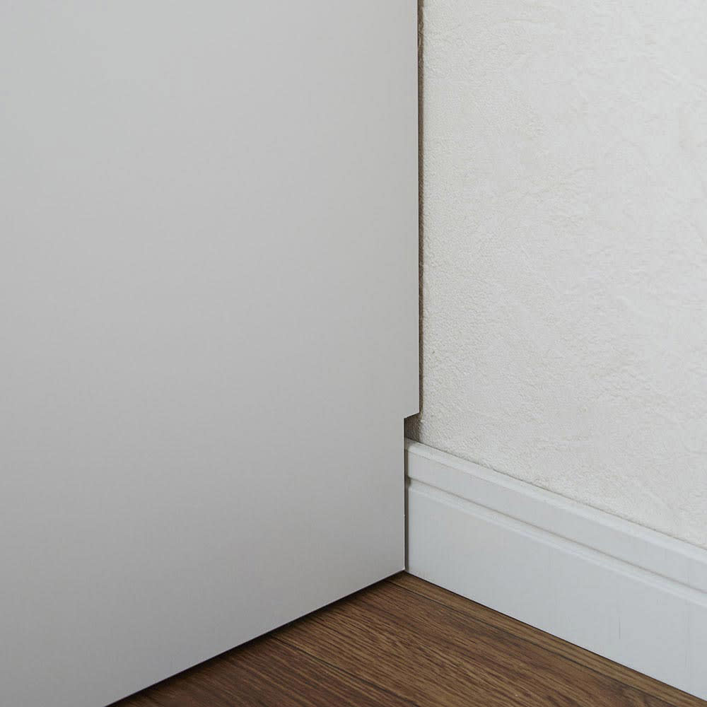 LEDライト付き 楽屋ドレッサーシリーズ ドレッサー 幅99cm 幅木よけカットを施しているので、壁にピッタリ設置可能。