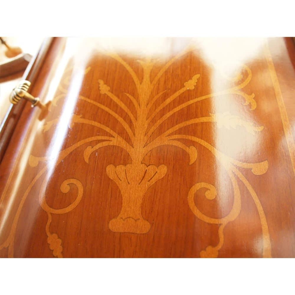 イタリア製 象がん 収納家具 猫脚 コンソール チェスト キャビネット 美しい象嵌細工ひとつづつ手作業で埋め込まれています。商品により独特の描き方があるのが特徴的。