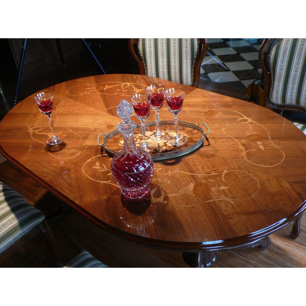 イタリア製 金華山シリーズ 象がんオーバルダイニングテーブル 家族だんらんやおもてなしの時間を華やかに演出します。