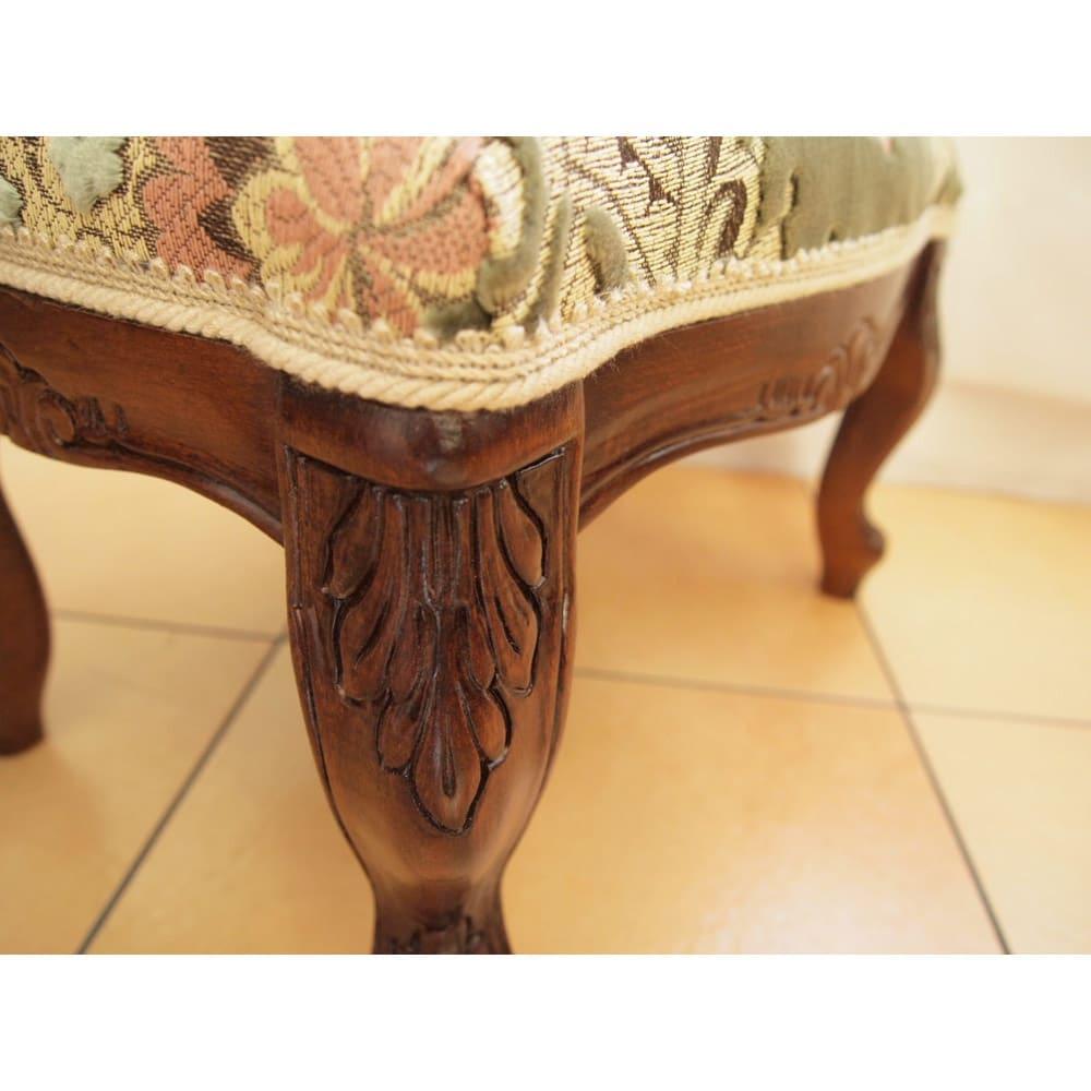 イタリア製金華山織シリーズ フットスツール(足置き) 新柄の金華山織は中央に大きなブーケのような柄をデザイン。