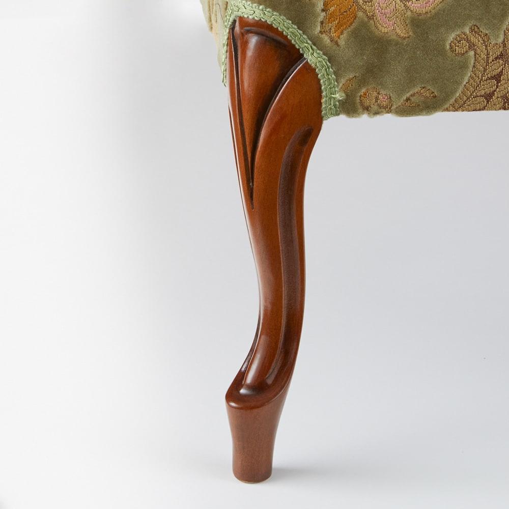 イタリア製金華山織DXソファ カウチソファ 曲線が優美な、人気の猫脚仕様です。
