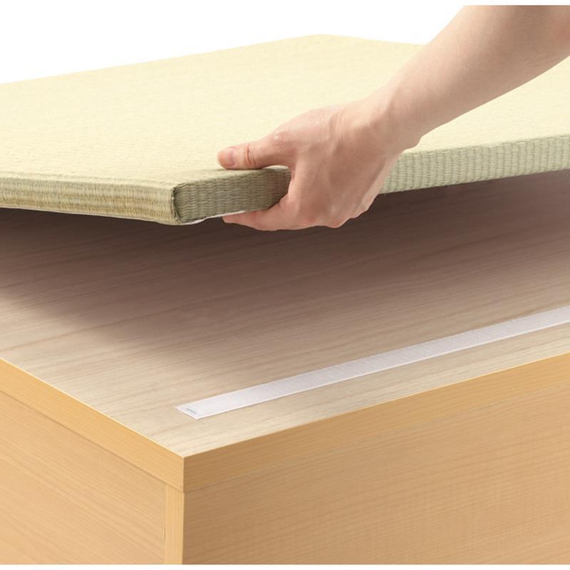 跳ね上げ式ユニット畳 ヘリ有りミニ1畳 高さ33cm 畳は簡単に取り外せます。本体に載せるだけでぴったりと固定されます。 畳表のみの購入も可能です(web限定品)
