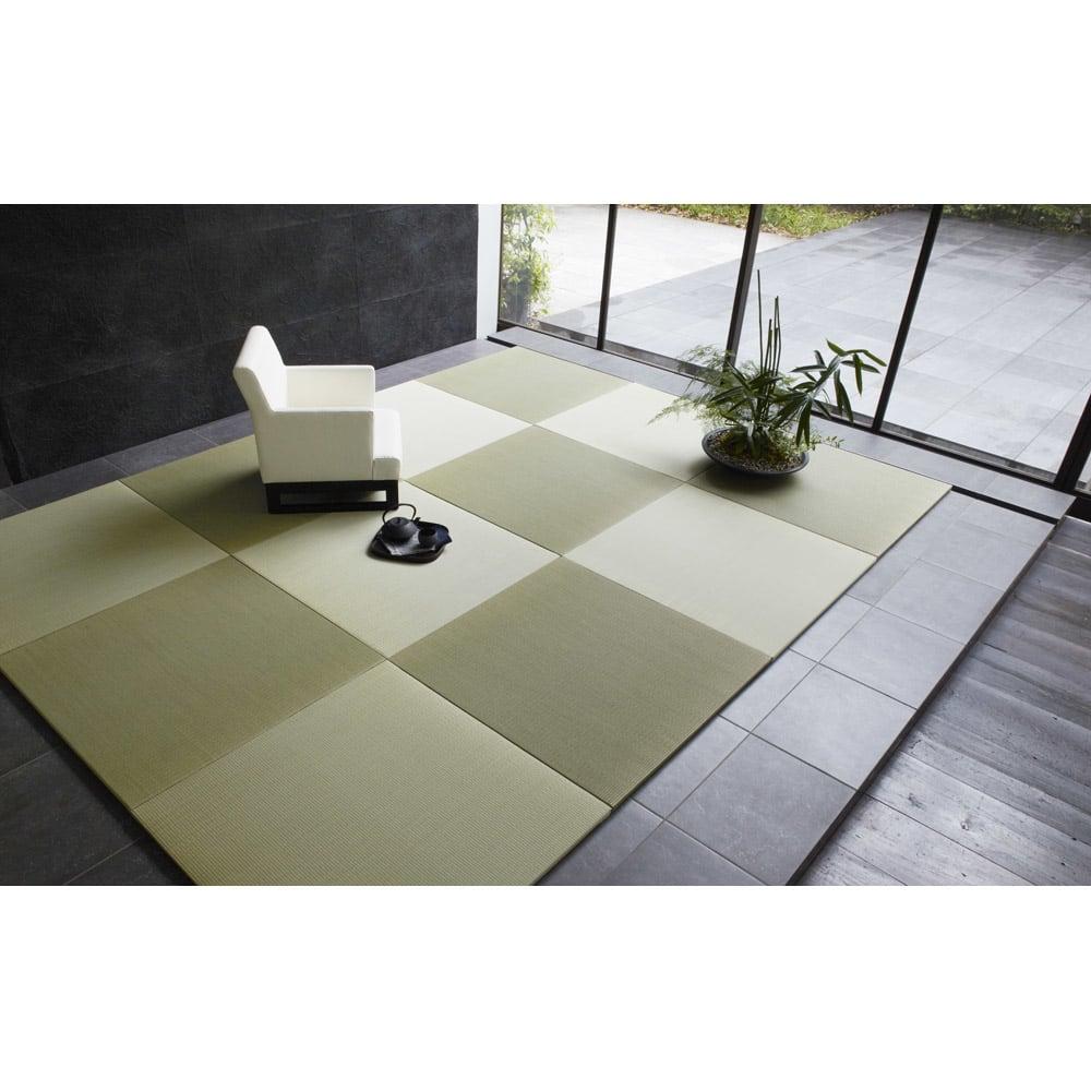 へりなしフロア畳 3畳用(6枚組)[い草ラグ] 畳の目を互い違いにするようにおけば写真のような市松模様に。※写真は6畳用(12枚組)です。