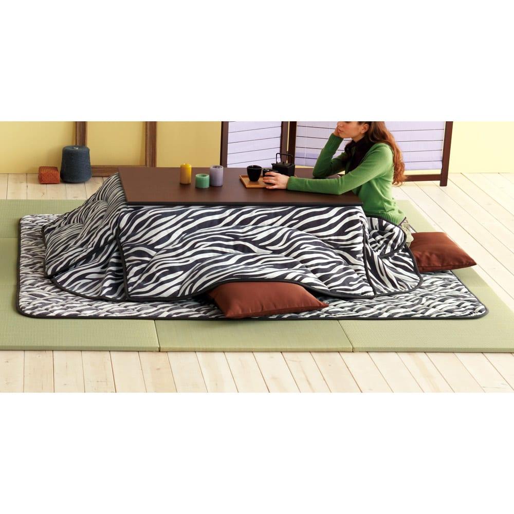 へりなしフロア畳 4.5畳用(9枚組)[い草ラグ] リビングの畳スペースに。