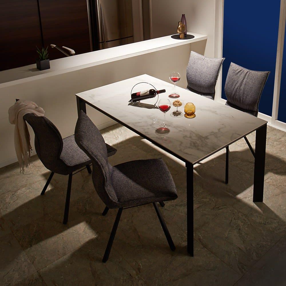 セラミック天板ダイニングシリーズ テーブル幅90cm 使用イメージ(イ)ホワイト系 ※写真はテーブル幅150cmです。